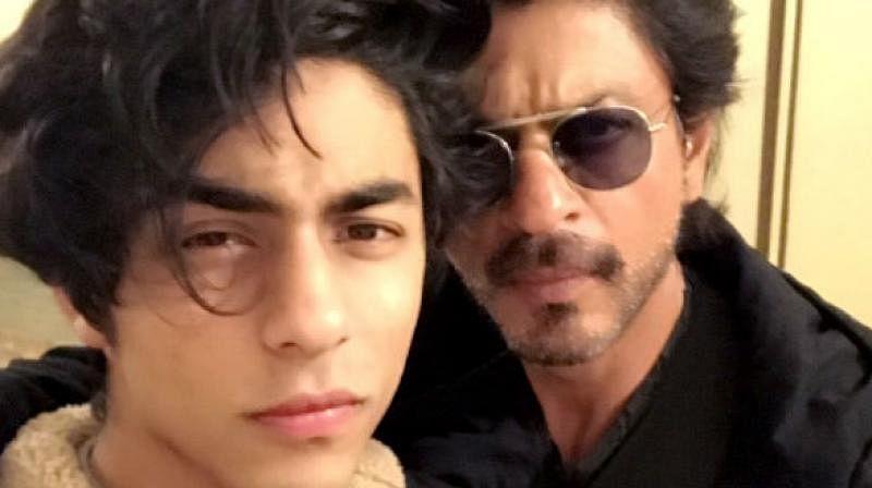 शाहरुख खान के बेटे आर्यन को घर में शर्टलेस घूमने पर है मनाही, जानें किंग खान ने क्यों बनाया ऐसा नियम