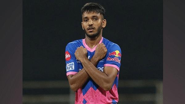 राजस्थान रॉयल्स के गेंदबाज़ चेतन सकारिया पर टूटा दुखों का पहाड़, पिता का हुआ कोरोना से निधन