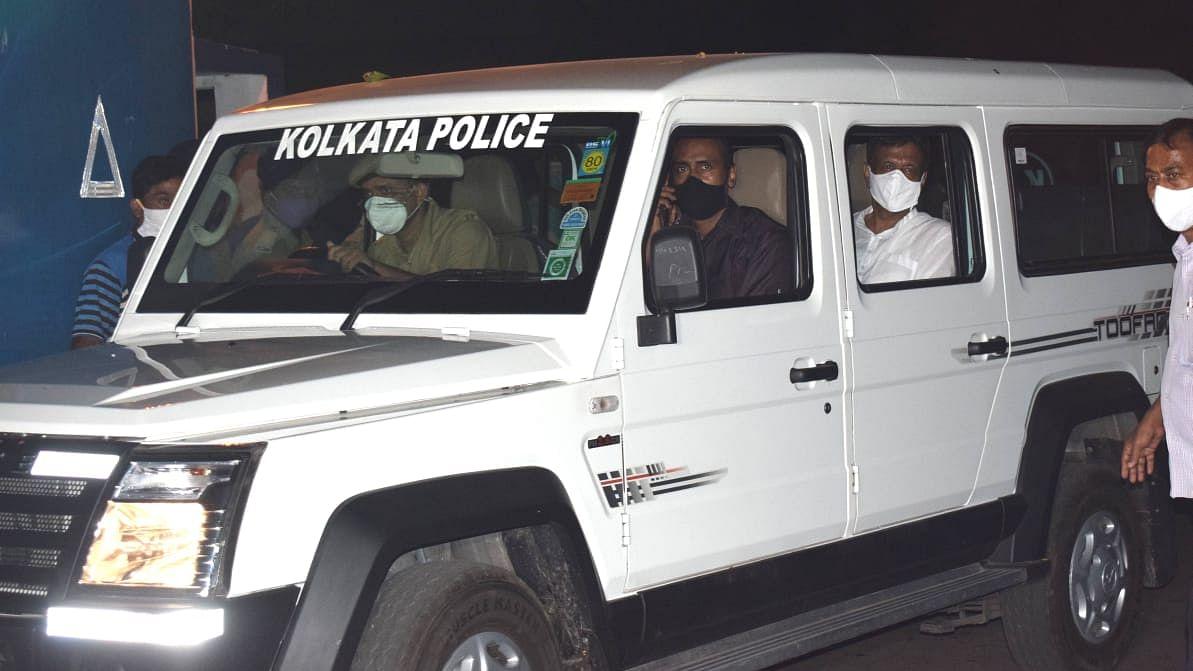Narada-CBI Case: कलकत्ता हाइकोर्ट के फैसले के बाद घर लौटे फिरहाद हकीम, सुप्रीम कोर्ट में दाखिल की कैवियट