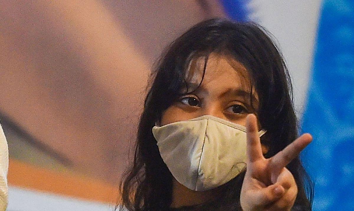 IN PICS: तृणमूल सुप्रीमो के साथ मंच पर बंगाल की 'जूनियर ममता बनर्जी'!