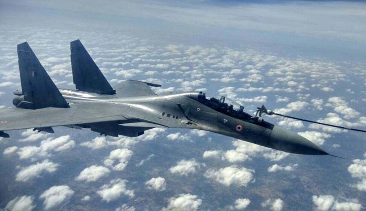 नकदी संकट से जूझ रही भारतीय सेना, त्वरित अभियान चलाने के लिए लीज पर लेना पड़ रहा है जरूरी उपकरण