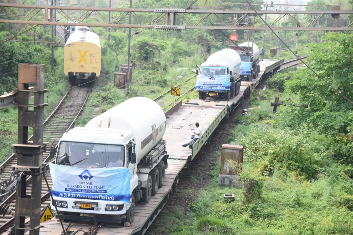 Coronavirus In Jharkhand : कोरोना के खिलाफ जंग में Rail व SAIL की है 'पवनपुत्र' की भूमिका, UP समेत देश के इन 8 राज्यों को ऑक्सीजन की संजीवनी दे रही BSL