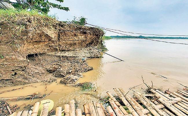 Bihar News: बागमती में आये उफान ने शुरु की तबाही, 500 परिवारों ने बांध पर ली शरण, खाने-पीने का मंडराया संकट