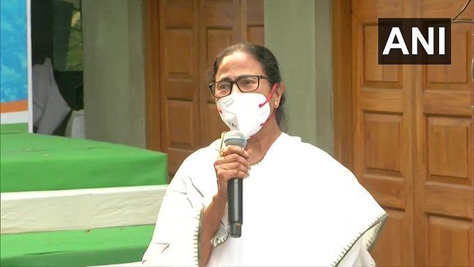 पांच मई को बंगाल के मुख्यमंत्री पद की शपथ लेंगी ममता बनर्जी, नंदीग्राम चुनाव को कोर्ट में देंगी चुनौती