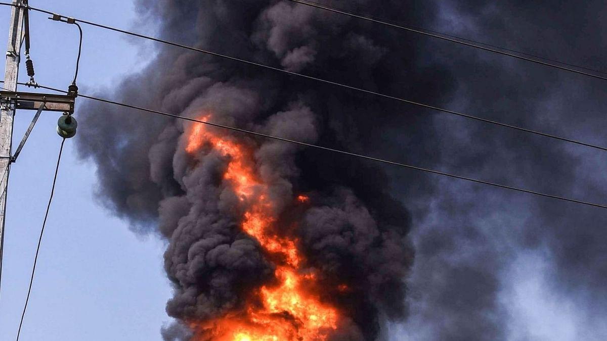 पश्चिमी मेदिनीपुर में तृणमूल कांग्रेस नेता के धान गोदाम में विस्फोट, दहशत में लोग