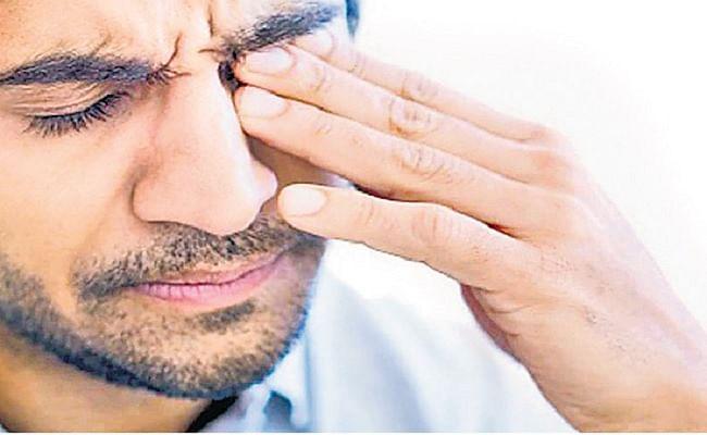 Mucormycosis: कोरोना से ठीक होने के बाद लोगों के आंखो की रोशनी छीन रहा नया इंफेक्शन, जानें कारण और इसके लक्षण