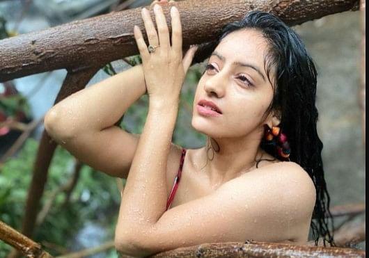Tauktae Cyclone से गिरे पेड़ के पास फोटोशूट करवाकर बुरी तरह ट्रोल हुईं दीपिका सिंह, अब बोलीं कोई पछतावा नहीं...