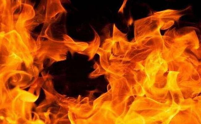 जलते हुए आग या भयानक अग्निकांड को सपने में देखना किसी अनहोनी का संकेत तो नहीं, क्या कहता है स्वप्न शास्त्र