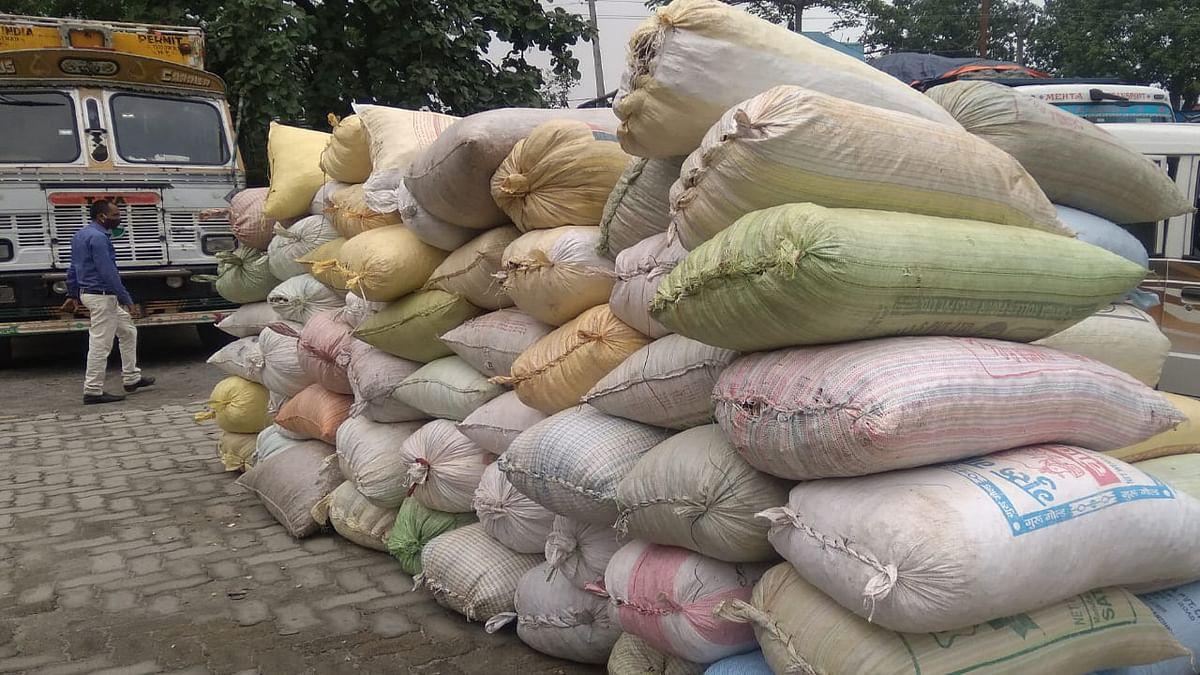Jharkhand Crime News : हजारीबाग के बरही में 40 लाख का डोडा पकड़ाया, ट्रक जब्त, ड्राइवर व खलासी की खोजबीन जारी