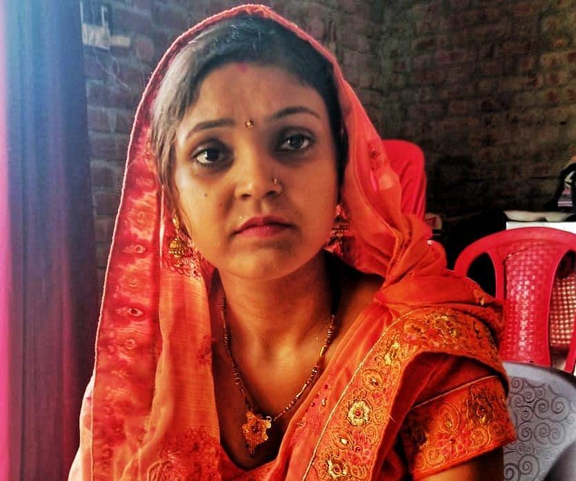 यूपी पंचायत चुनाव : जीतकर ससुराल पहुंची दुल्हनिया पूनम शर्मा का पूरे गांव ने किया स्वागत