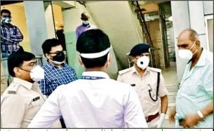 पांच दिनों से लगातार कोविड मरीज का हो रहा था एक ही टेस्ट, मुजफ्फपुर डीएम ने कहा-  जांच के बाद अस्पताल पर होगी कार्रवाई