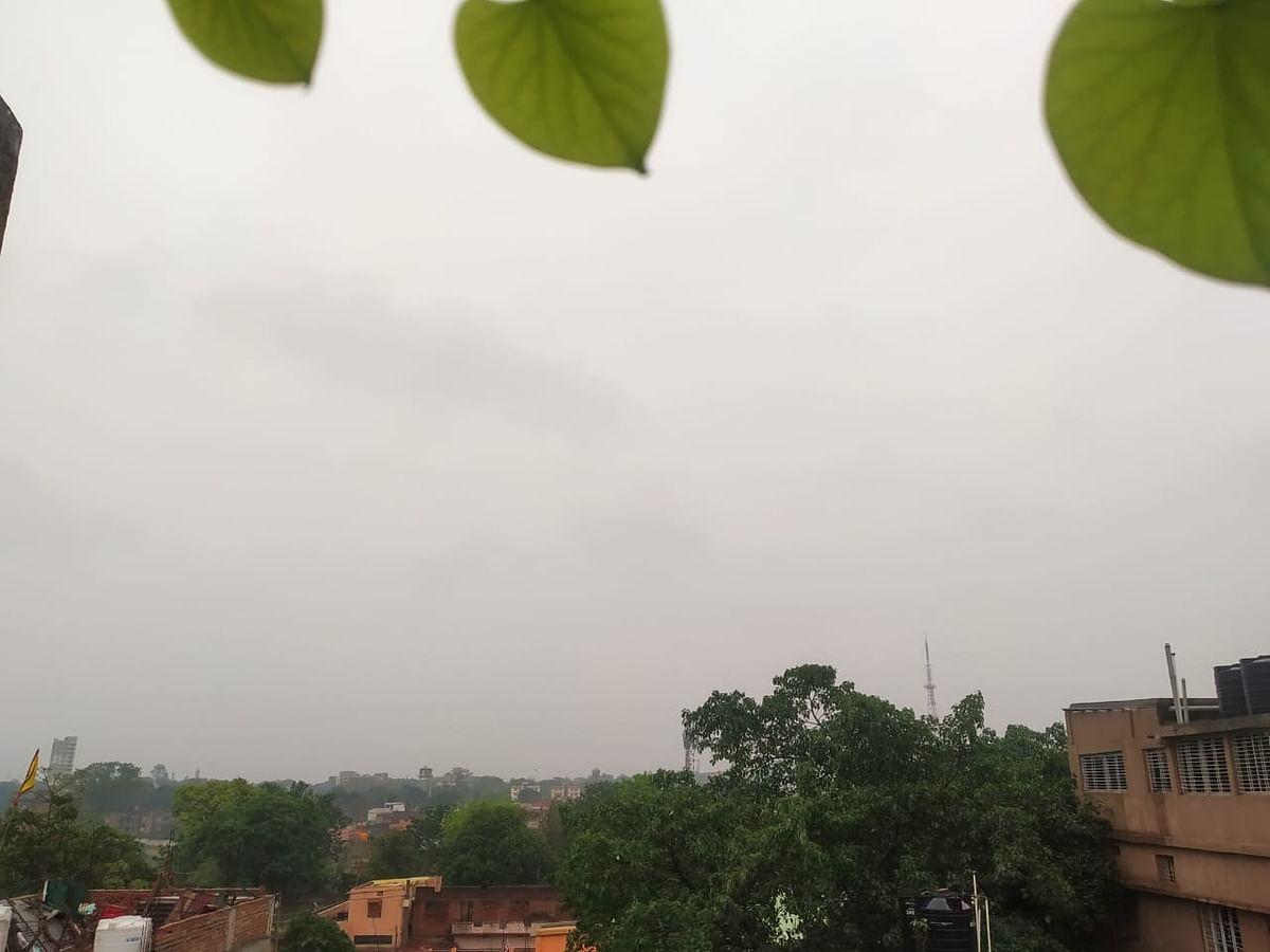 Weather Forecast Today LIVE  : दिल्ली और झारखंड में बारिश,  इन राज्यों में समुद्री तूफान Tauktae का खतरा, जानें यूपी-बिहार सहित अन्य राज्यों के मौसम का हाल