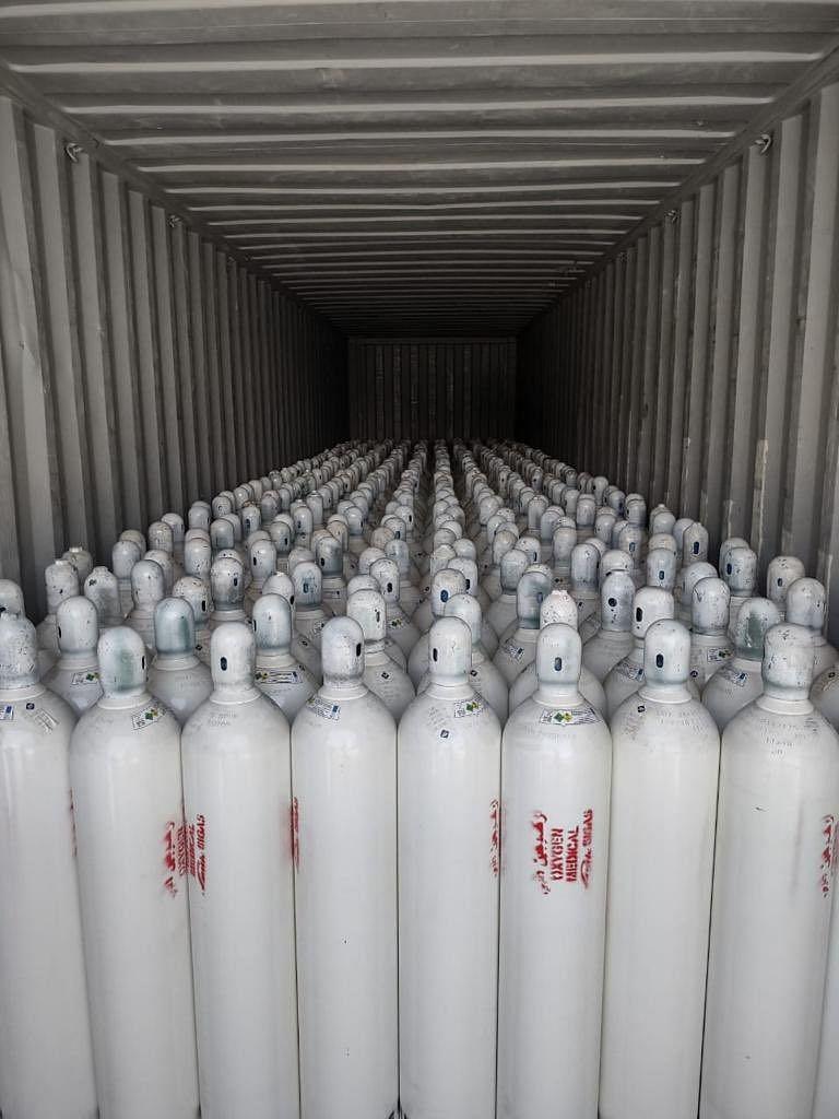 कोरोना संक्रमितों को ऑक्सीजन मिलने में नहीं होगी परेशानी, Tata Steel सीएम हेमंत सोरेन को सौंपेगी पांच हजार ऑक्सीजन सिलेंडर, UAE से तीन हजार सिलेंडर किये गये आयात