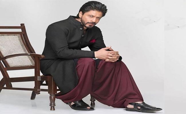 Eid के मौके पर Shah Rukh Khan का लेटेस्ट लुक हो रहा है वायरल, Pathan के रुप में दिखें किंग खान