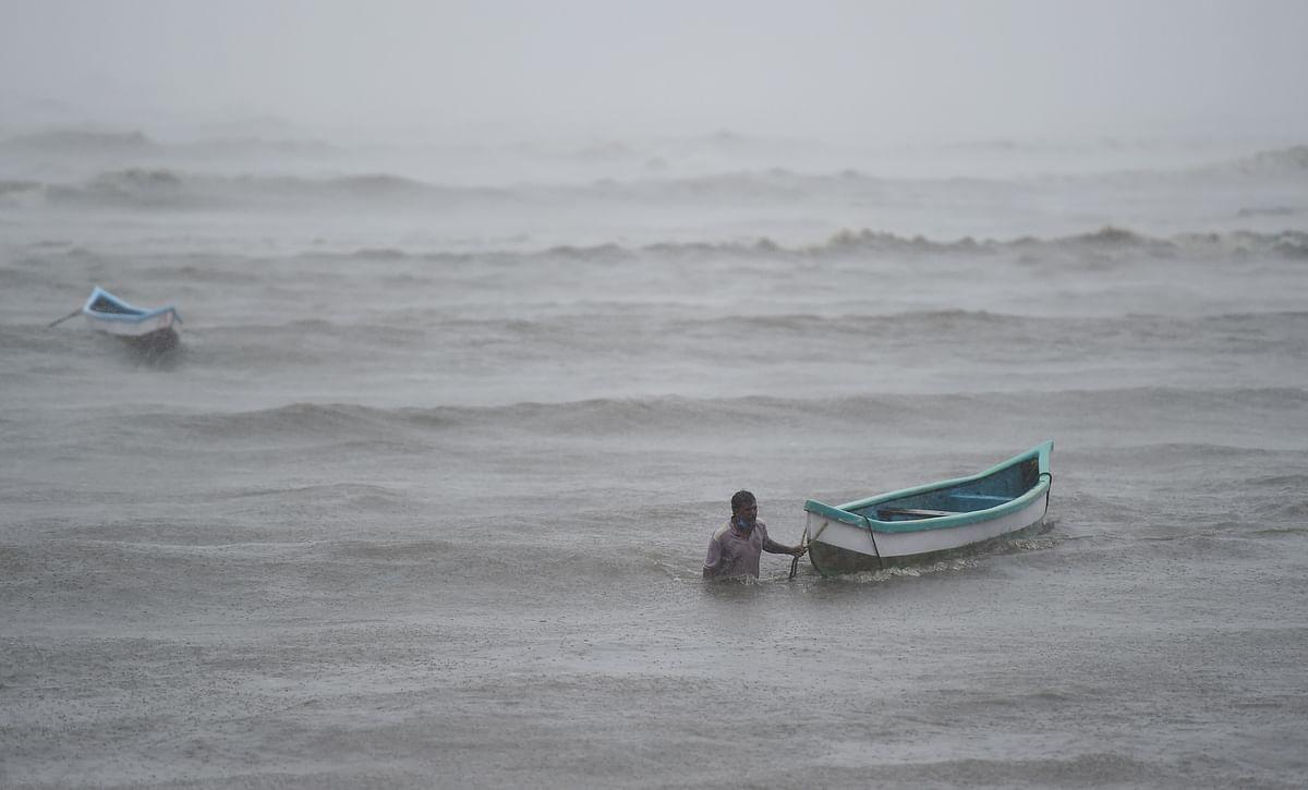 Cyclone Tauktae Destroyed : 'ताऊ ते' चक्रवात ने ली जहाज पर सवार 26 लोगों की जान, अरब सागर में फंस गए थे सभी