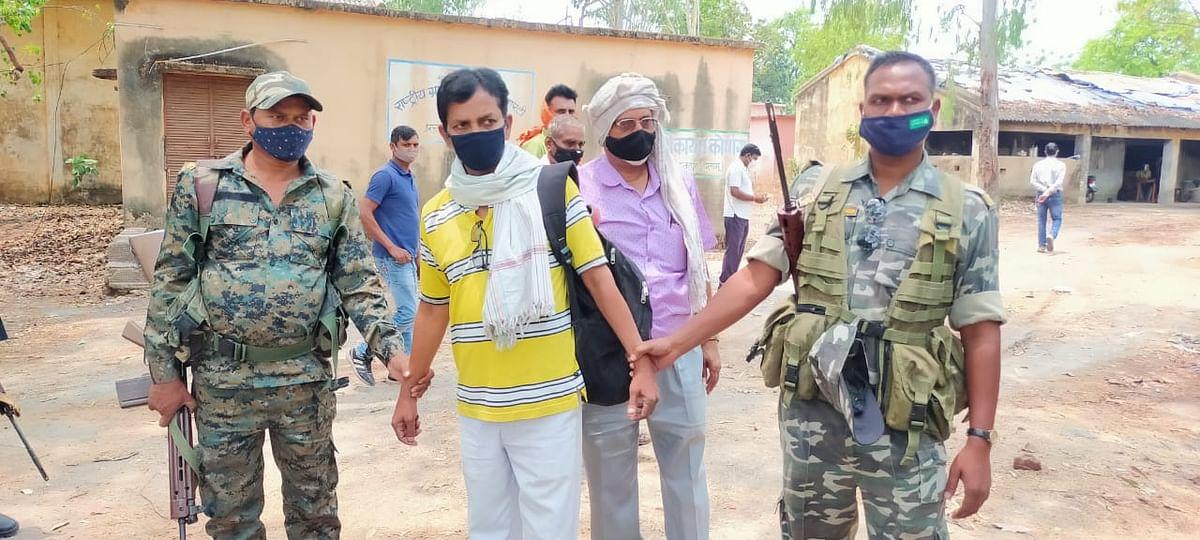झारखंड के पलामू में घूस लेते रोजगार सेवक मोहम्मद रहमान गिरफ्तार, भ्रष्टाचार के खिलाफ एंटी करप्शन ब्यूरो ने की कार्रवाई, पढ़िए क्या है पूरा मामला