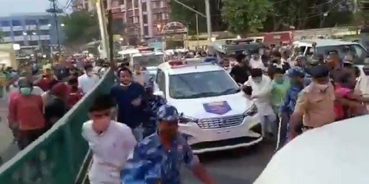 पटना में Pappu Yadav के समर्थकों पर पुलिस लाठीचार्ज, जाप सुप्रीमो ने लालू यादव से की ये अपील