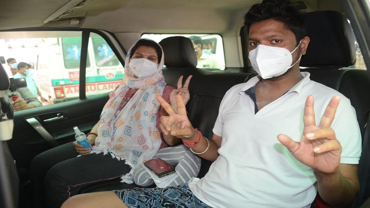 राहत की खबर : झारखंड में 24 घंटे में कोरोना संक्रमण से अधिक स्वस्थ हुए लोग, 2 लाख से अधिक अब तक कोरोना को दे चुके हैं मात
