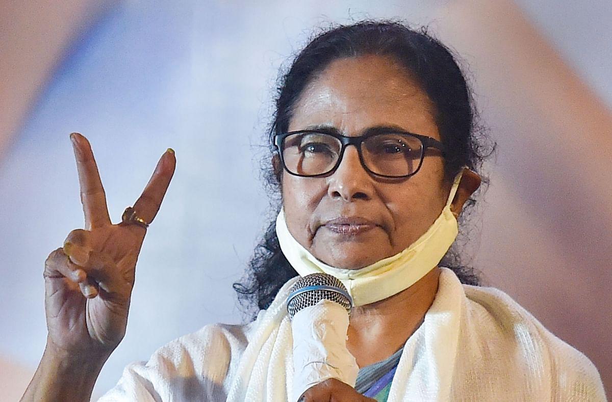 ममता बनर्जी के करीबियों की मुश्किलें जारी, CBI कोर्ट से राहत के बाद HC ने रोकी जमानत, TMC के साथ कांग्रेस