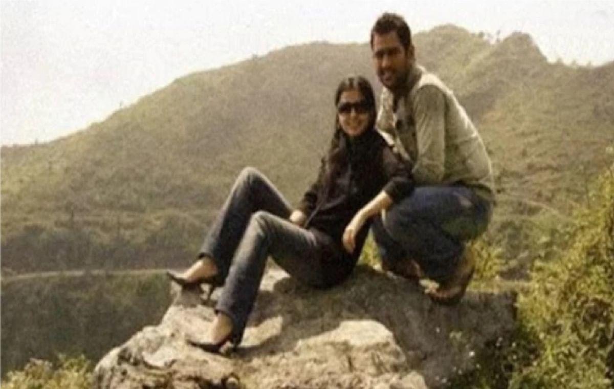 MS Dhoni की एक्स गर्लफ्रेंड की तसवीर सोशल मीडिया पर वायरल, इस हादसे ने कर दिया हमेशा के लिए अलग