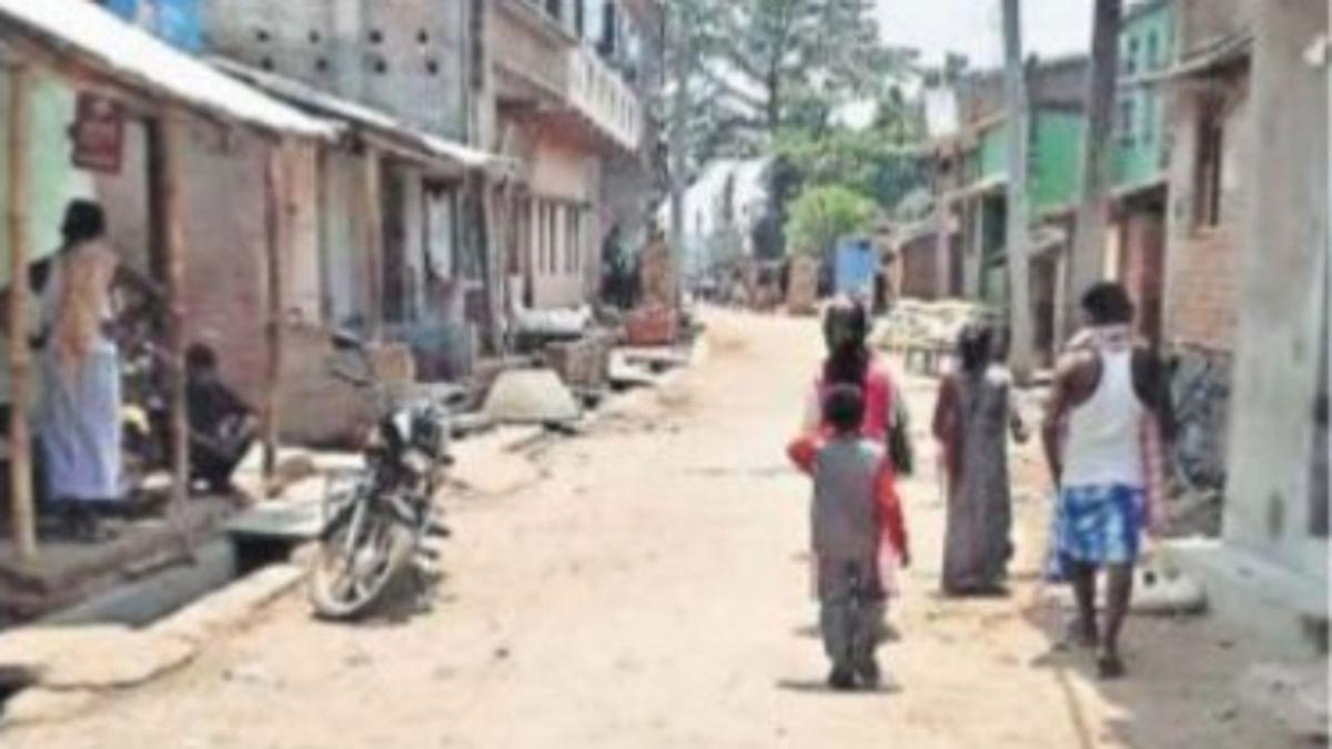 अच्छी खबर : पाकुड़ के मानिकापाड़ा गांव में ग्रामीणों के कड़े नियम से अब तक कोरोना संक्रमण की नहीं हुई इंट्री, गांव में आवागमन है सीमित