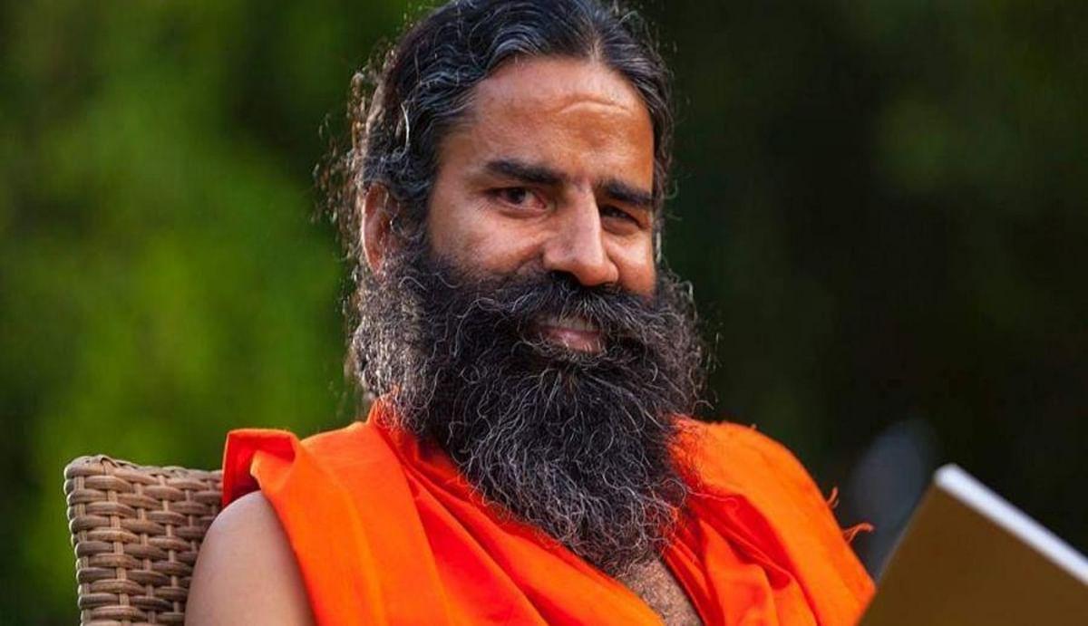 एक साथ दो ऑक्सीजन सिलेंडर भरने का उपाय बता रहे योग गुरु बाबा रामदेव, जानिए कैसे होगा संकट दूर