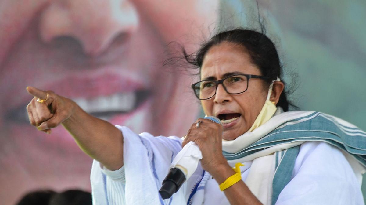नारद स्टिंग मामले में फंसी ममता बनर्जी, सीबीआई के खिलाफ कोलकाता में दर्ज हुई प्राथमिकी