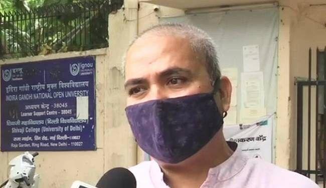 डीयू के तीन दर्जन शिक्षकों की कोरोना संक्रमण से मौत, मृत शिक्षकों के परिवार के एक सदस्य को मिले नौकरी : DUTA
