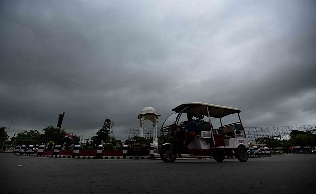 Bihar Weather News: बिहार में लू के महीने में हो रही बारिश से अलर्ट जारी, जानें क्यों करवट ले रहा मौसम, कब दस्तक देगा मानसून