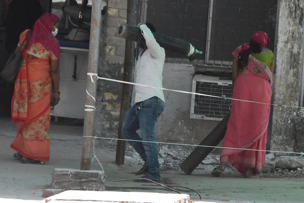 '5000 ऑक्सीजन सिलेंडर भेजो, नहीं तो बहु-बेटे की कर देंगे हत्या', अपराधियों ने बिहार में डॉक्टर से मांगी रंगदारी, FIR दर्ज