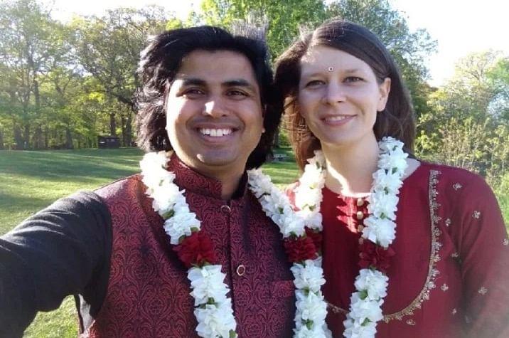 अजब प्रेम की गजब कहानी! दूल्हा शाहजहांपुर का...दुल्हन स्लोवेनिया की, ब्याह हुआ शिकागो में, घरवाले भारत में…