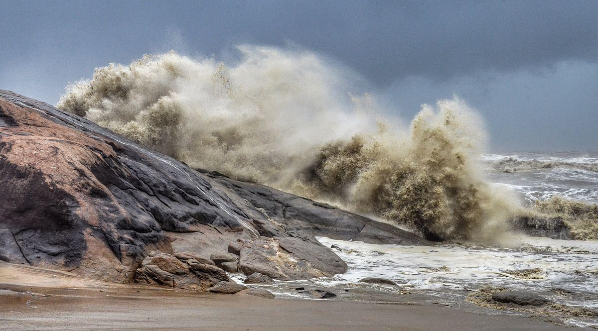 Cyclone Tauktae : चक्रवाती ने मचाई तबाही, गोवा में तूफान से भारी नुकसान, कर्नाटक में 4 की मौत, गुजरात-महाराष्ट्र में भी अलर्ट