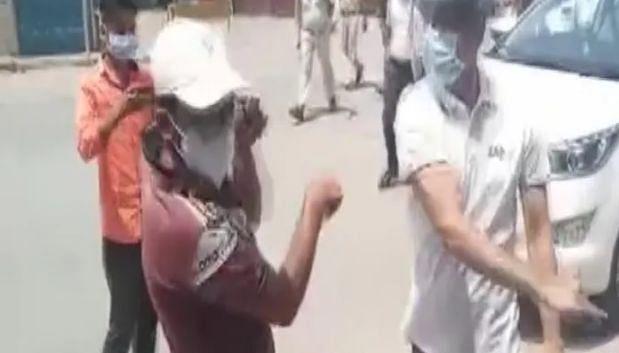 Chhattisgarh Viral Video : साहब की निकल गई अकड़! 'थप्पड़मार' कलेक्टर को सीएम बघेल ने तत्काल प्रभाव से हटाया, युवक को थप्पड़ मारकर...