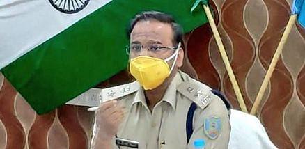 बिना E-PASS के पैसे लेकर चेकनाका पर वाहनों को पास कराने के मामले में पुलिसकर्मी सस्पेंड, कोडरमा एसपी ने की कार्रवाई