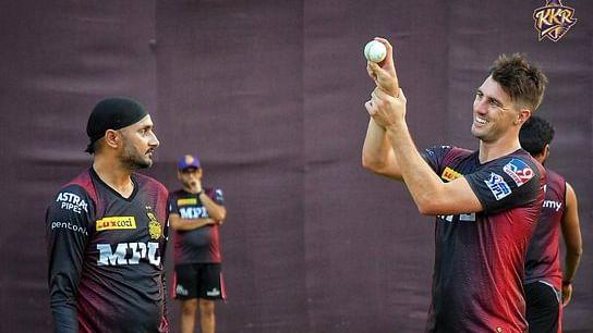 आईपीएल पर कोरोना का साया, दो खिलाड़ी निकले पॉजिटिव, आज होने वाला KKR-RCB का मैच हुआ रद्द