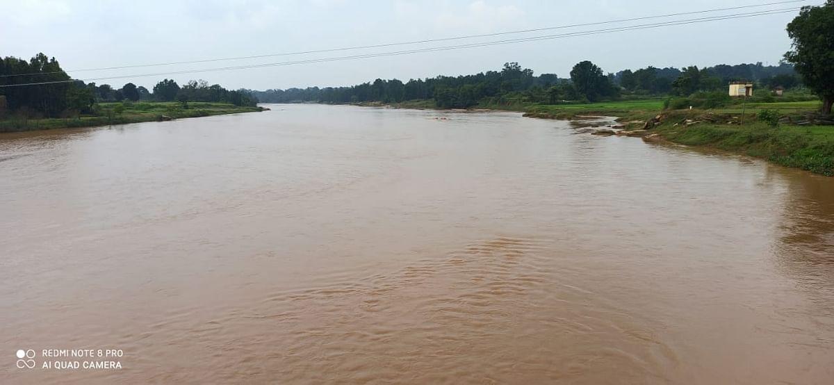 Cyclone Yaas Impact : भारी बारिश के बाद गुमला में शुक्रवार को मौसम रहा साफ, जंगल में हरियाली, नदियां पानी से लबालब