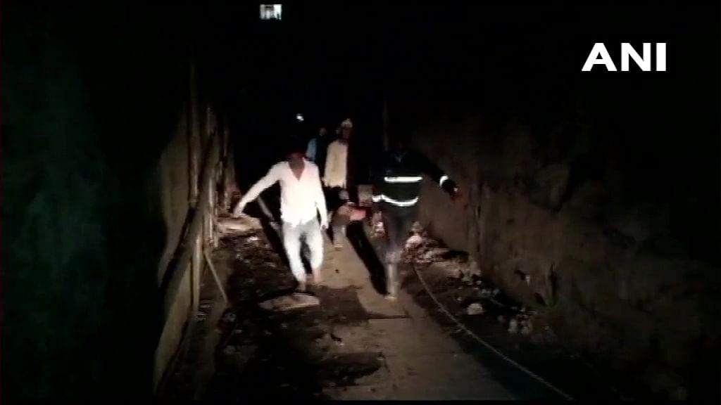 महाराष्ट्र में बड़ा हादसा, देखते ही देखते गिर गया बिल्डिंग का एक हिस्सा, 7 लोगों की मौत, मुआवजे का ऐलान