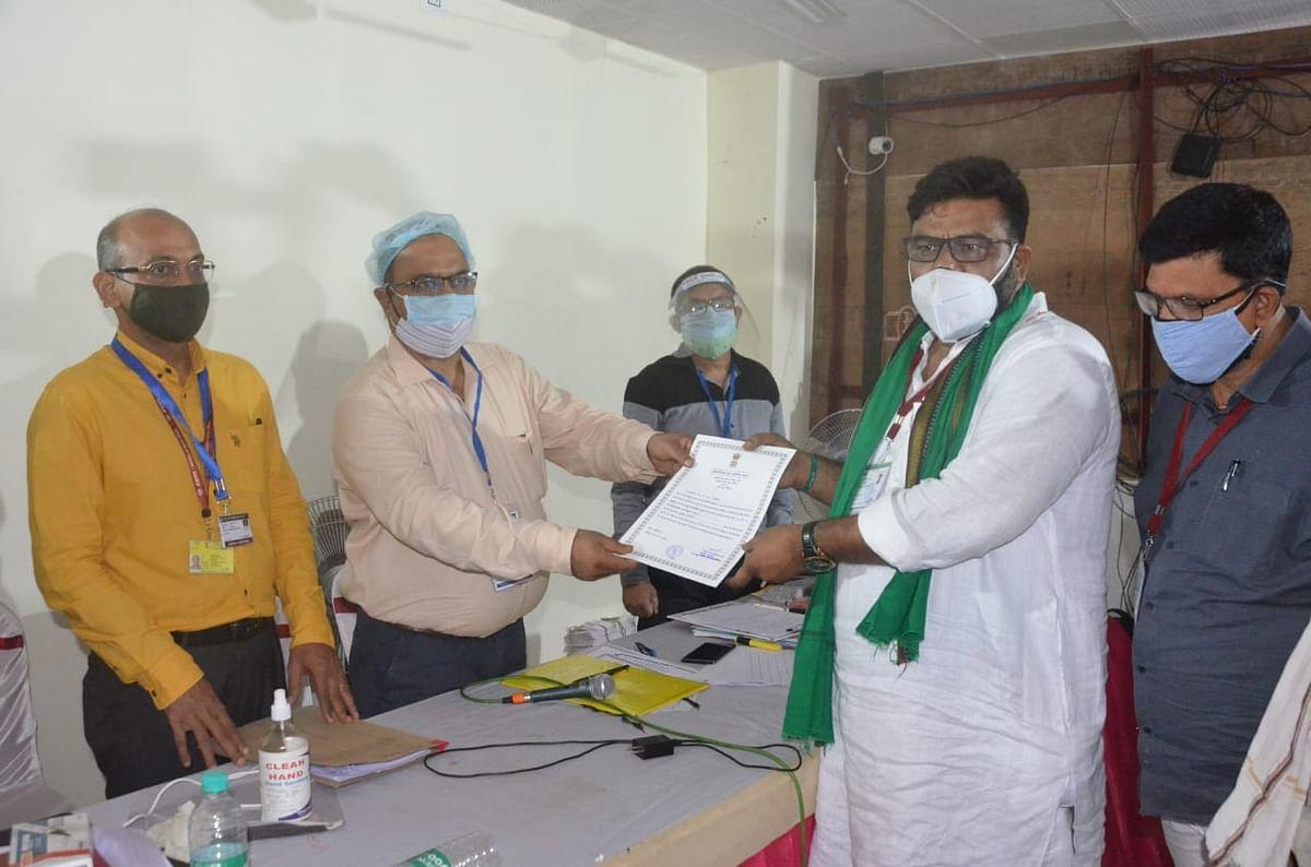 Madhupur Byelection Result 2021 : मधुपुर में मंत्री हफीजुल हसन ने बचायी पिता की विरासत, अंतिम 3 राउंड रहा निर्णायक