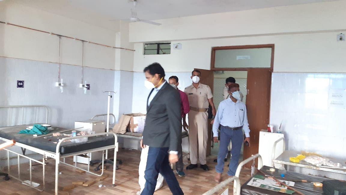 Coronavirus In Jharkhand : कोरोना की तीसरी लहर से निपटने की तैयारी, सरायकेला सदर अस्पताल में पाइपलाइन से जल्द होगी ऑक्सीजन की सप्लाई, उपायुक्त ने दिया ये निर्देश