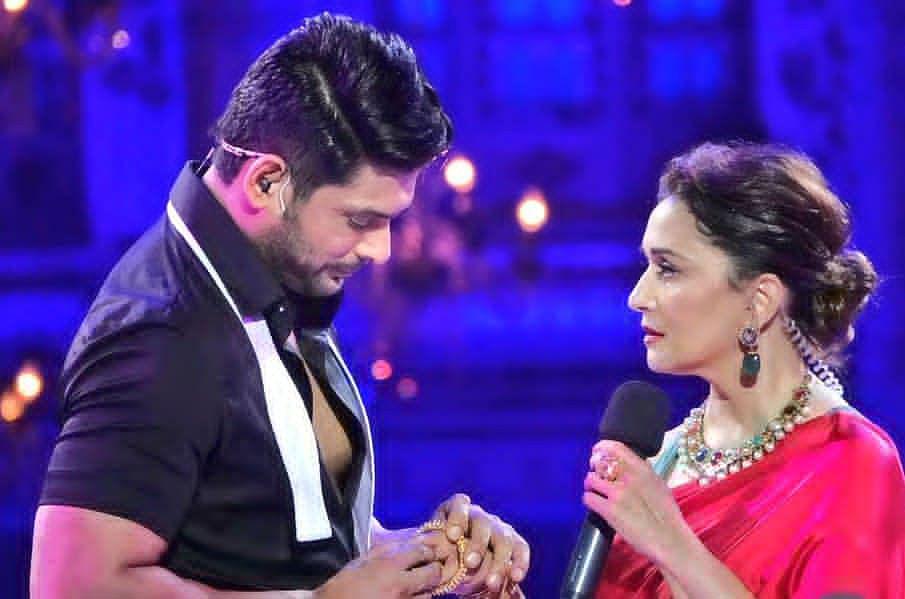Dance Deewane 3 के स्टेज पर दिखी Madhuri Dixit के साथ Sidharth Shukla की केमिस्ट्री, शहनाज ने दोनों के साथ देखकर किया कुछ यूं रिएक्ट