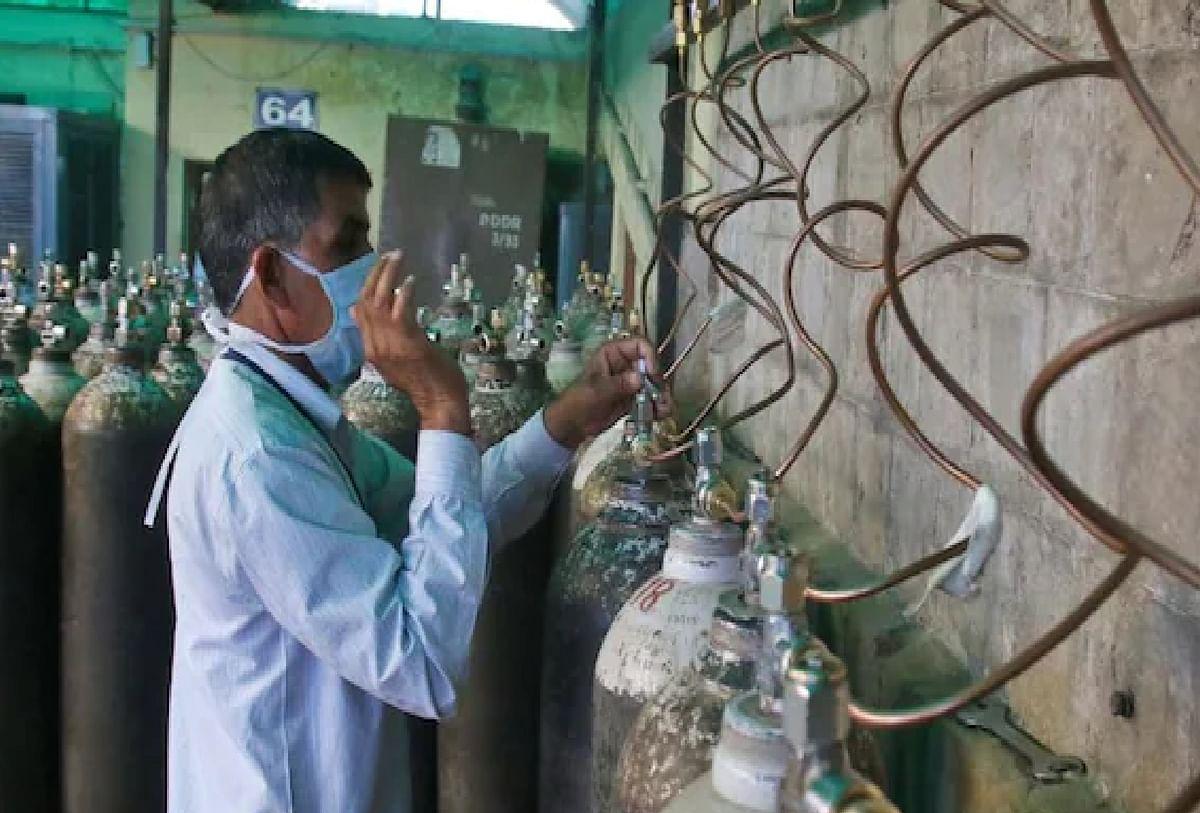 ऑक्सीजन की कमी की वजह से हुई मौत के मामले में कोर्ट ने केंद्र और राज्य सरकार से मांगा जवाब
