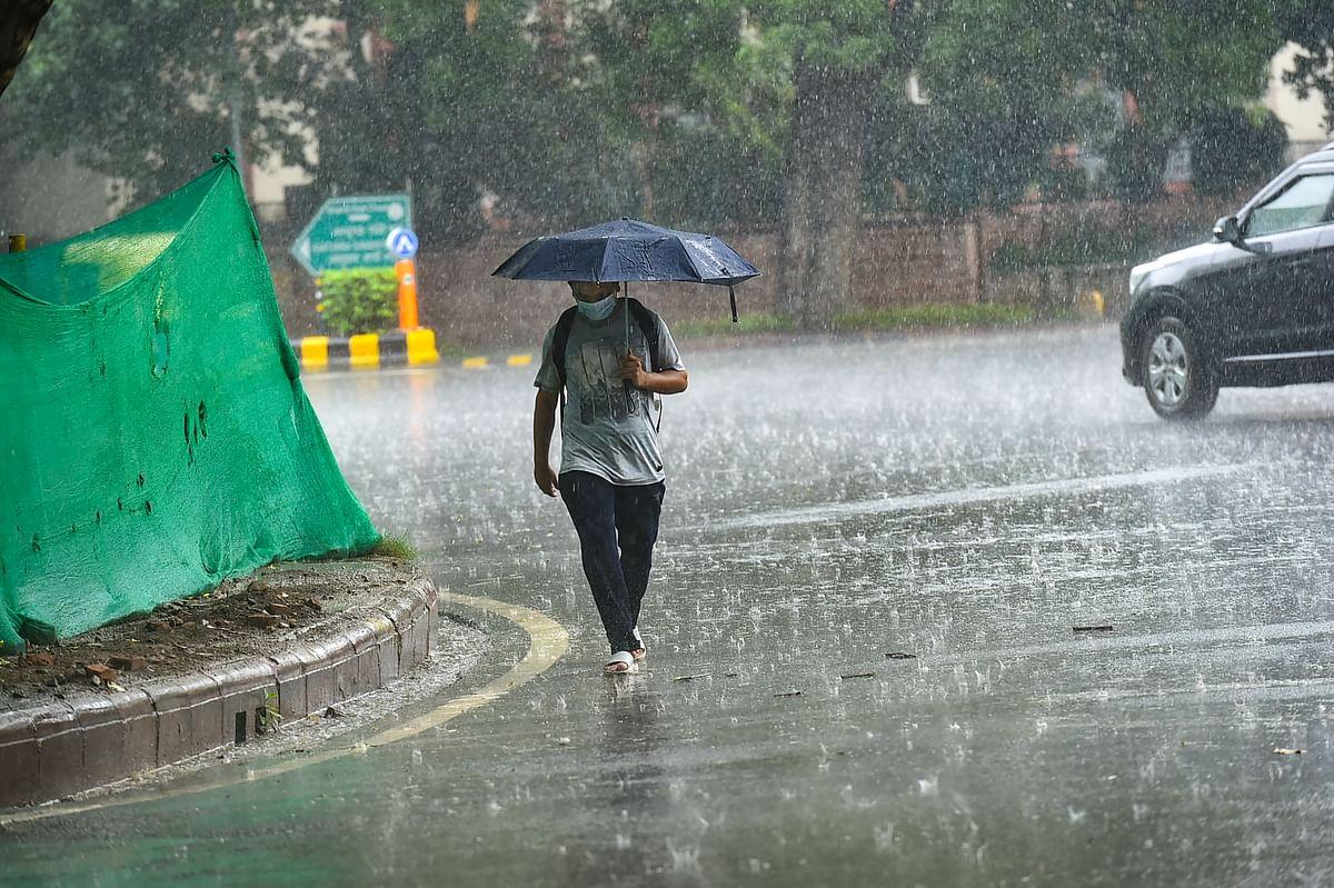 अगले 24 घंटे के अंदर बिहार के कई जिलों में बारिश और वज्रपात के आसार, 15 जुलाई तक के लिए अलर्ट जारी
