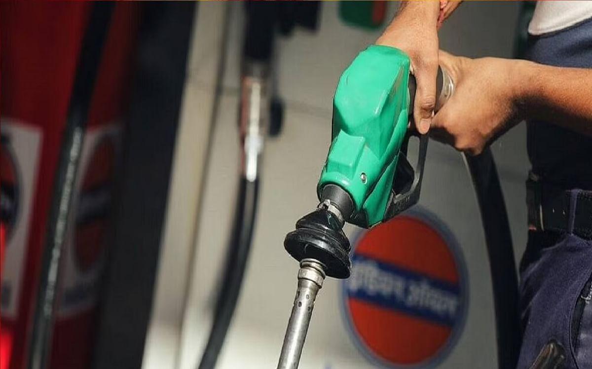 अब डीजल भी हुआ 100 रुपये के पार,  पेट्रोल - डीजल की कीमत में लगातार बढ़ोतरी