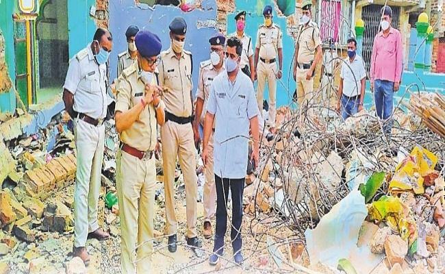 बिहार: मदरसा में बम विस्फोट के बाद पुलिस ने सर्विलांस पर डाला था इमाम का नंबर, शव को फेक भाग गया कार चालक