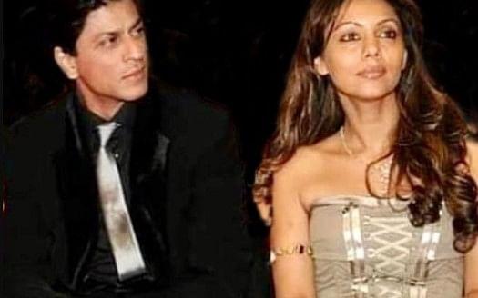 गौरी खान को निहारते रह गये शाहरुख खान, इस तसवीर पर कमेंट करने से खुद को रोक नहीं पा रहे फैंस