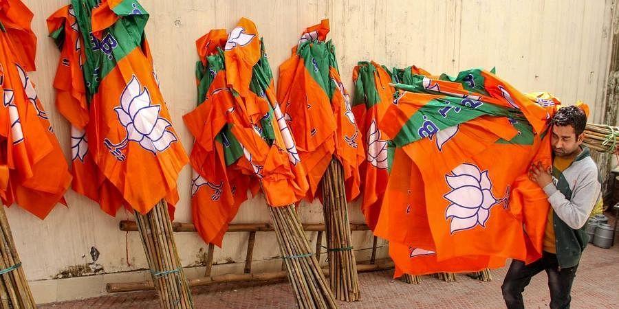 चंदे की कमाई से बीजेपी मालामाल, कांग्रेस ने आय से 46 फीसदी ज्यादा किया खर्च, जानें किस पार्टी ने कितना कमाया