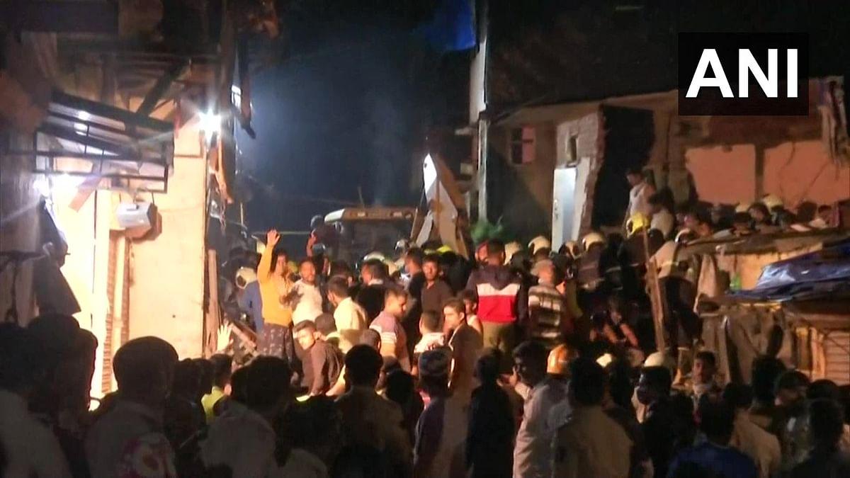 Mumbai Building Collapsed: इमारत के मालिक और ठेकेदार के खिलाफ होगा केस दर्ज, ताऊते चक्रवात के बाद बिल्डिंग में किया गया था बदलाव