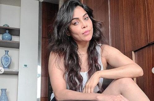 एक्ट्रेस निकिता रावल ने मनचले के खिलाफ दर्ज कराई FIR, बोलीं मेरा पीछा करता था