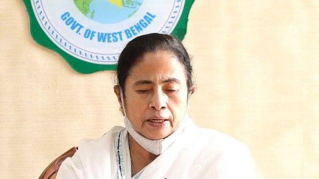 बंगाल में लोकल ट्रेन चलाने से मुख्यमंत्री ममता बनर्जी का इनकार, दी यह दलील