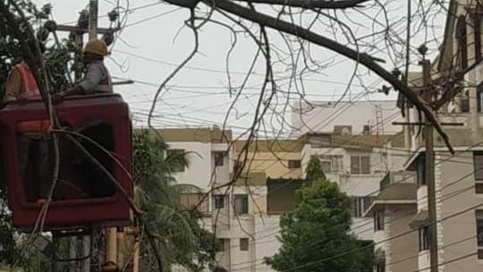 अंधेरे में झारखंड की राजधानी रांची, जोरदार आंधी-बारिश में ट्रिप हुआ ग्रिड और गुल हो गई बिजली
